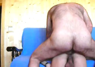 an excellent view of threesome bareback fucking!