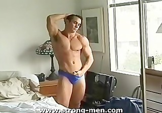 cute bodybuilder naked