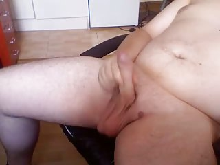 plump homo guy wanking and shooting his load