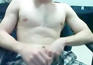 marine flexes muscles and fat dong