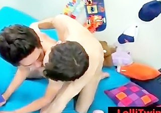 teenage twink getting his booty drilled
