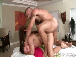 homo hawt chap receives his butt barebacked on