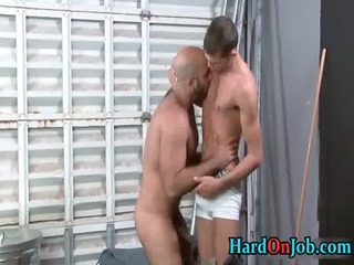 dude gets his worthy shaggy ass screwed homo boyz